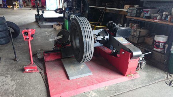 Heavy Duty Truck Tyre Changer Bright LC590